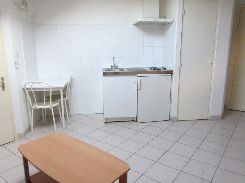appartement-castelnaudary-1-piece-s-23-13-m2