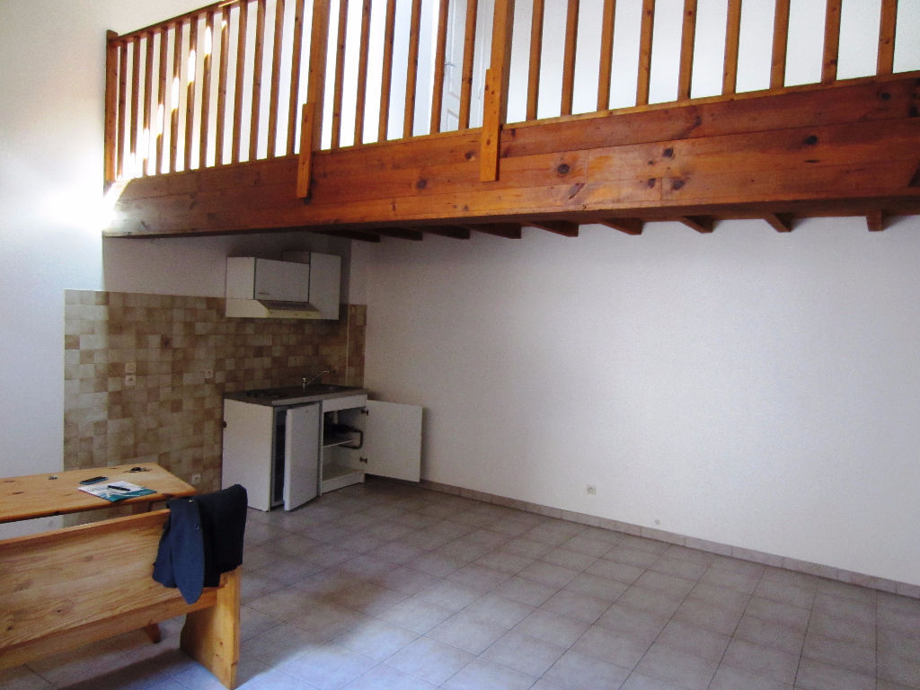 appartement-castelnaudary-1-piece-s-38-80-m2